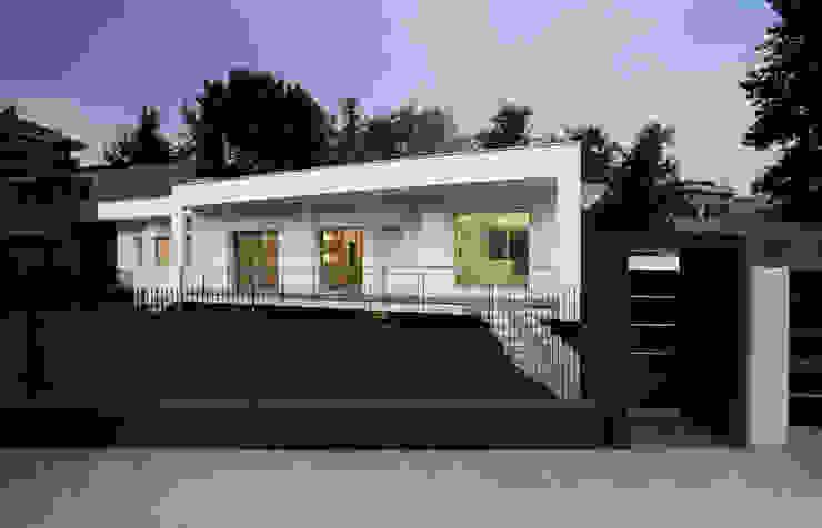 Villa Biancocubo Case in stile minimalista di Marg Studio Minimalista