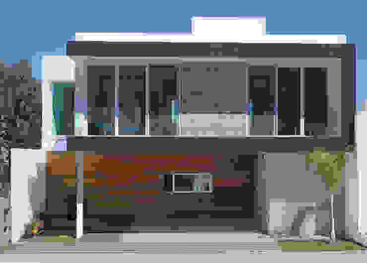 PQ HOUSE Rumah Modern Oleh TaAG Arquitectura Modern