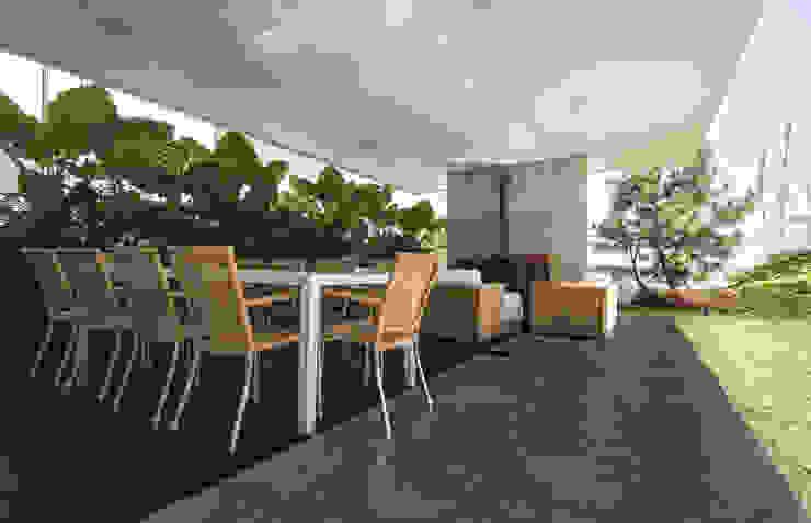 Vista de la terraza Casas modernas de TaAG Arquitectura Moderno