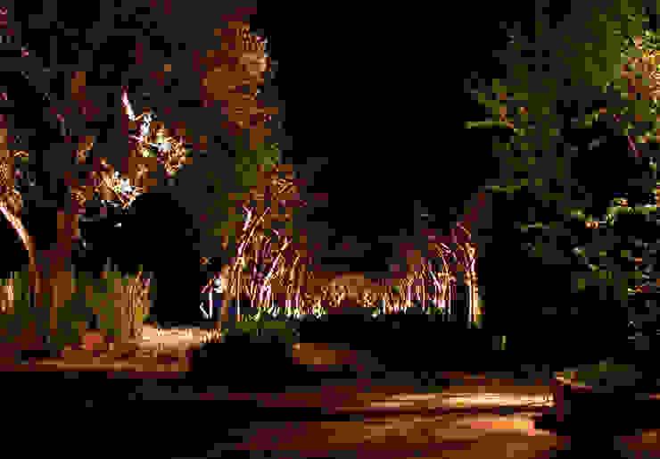 Private Villa in French Riviera Classic style garden by Cannata&Partners Lighting Design Classic