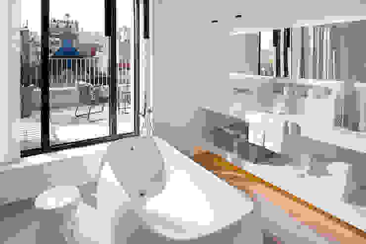 Hotel Mandarin Oriental -Barcelona Baños de estilo moderno de TONO BAGNO | Pasión por tu baño Moderno