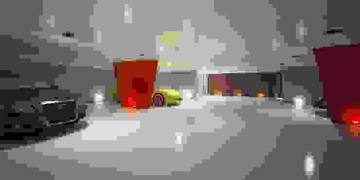 現代  by G*AA - Giaquinto Architetti Associati, 現代風
