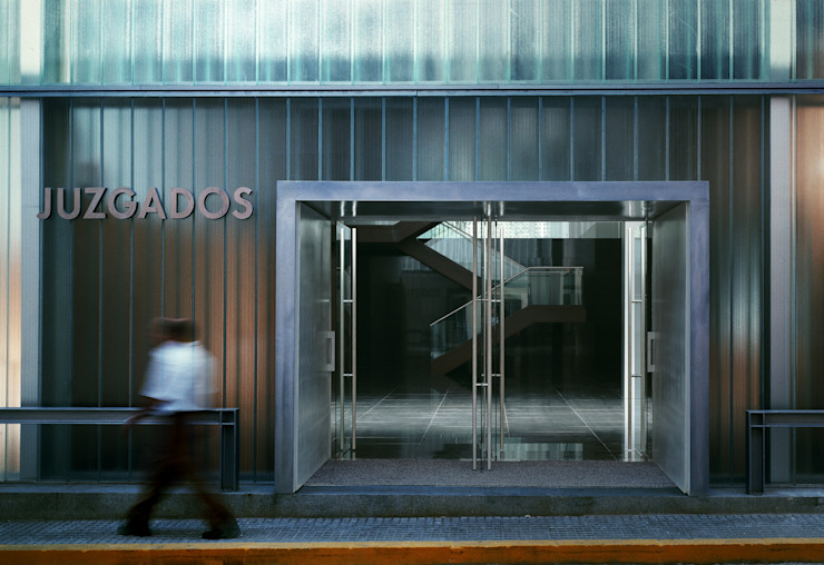 Palacio de Justicia Edificios de oficinas de estilo moderno de TEJEDOR LINARES Y ASOCIADOS Moderno