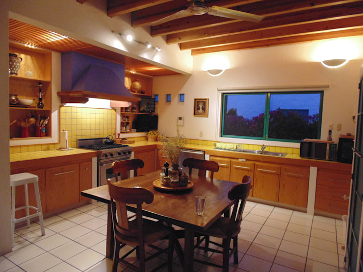 Kitchen by Taller Luis Esquinca, Country