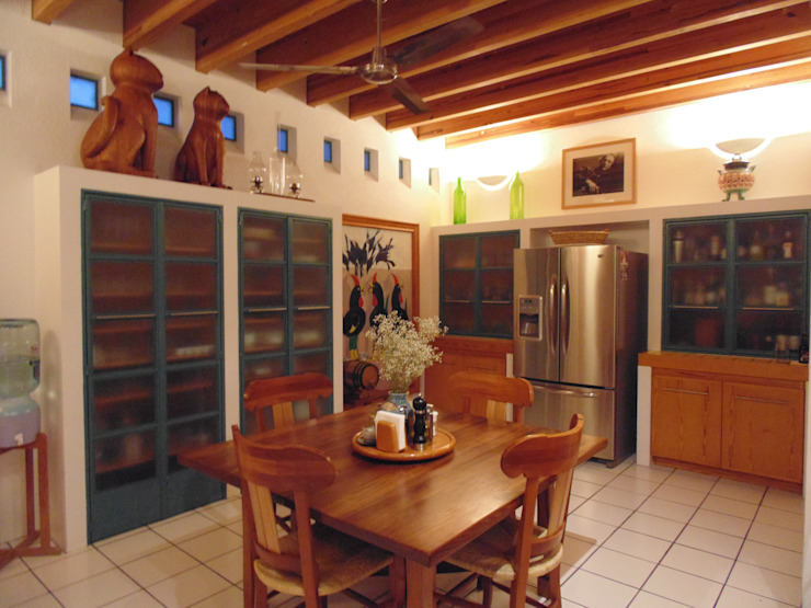 Country style kitchen by Taller Luis Esquinca Country