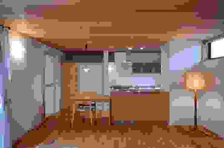 ダイニングキッチン: ツジデザイン一級建築士事務所が手掛けたダイニングです。,北欧