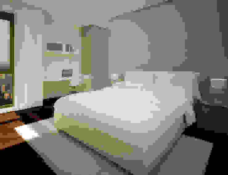 Penthouse Atalaya Dormitorios de estilo moderno de INTERCON Moderno