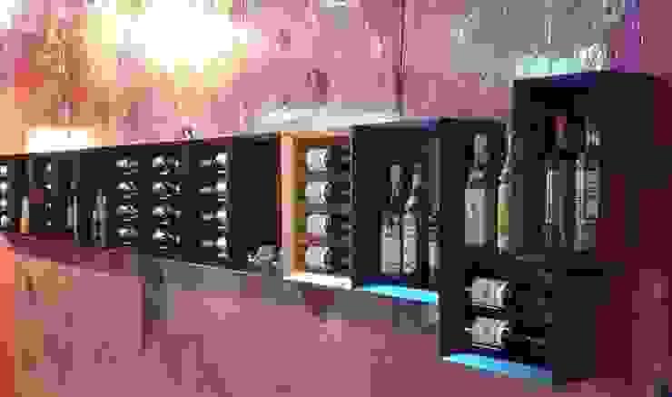 Botellero de pared Esigo 5 de Esigo SRL Moderno Madera Acabado en madera