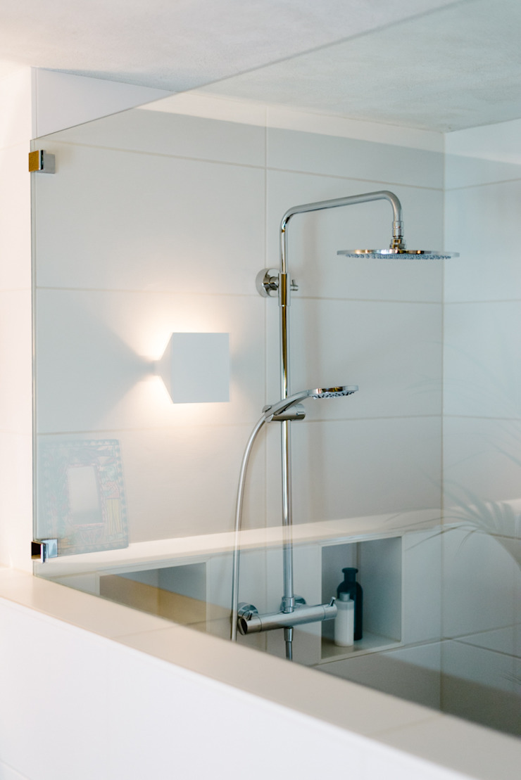 Duschbereich Moderne Badezimmer von raumdeuter GbR Modern
