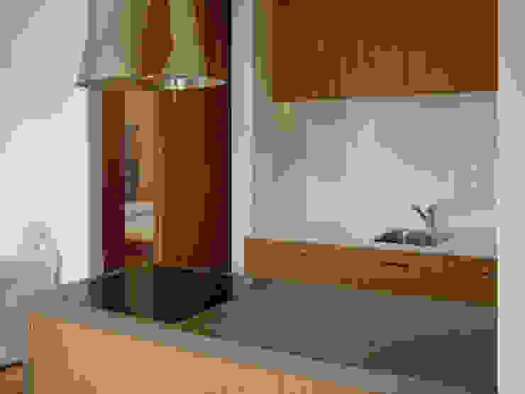 Abitazione in resina e legno Case di auge architetti