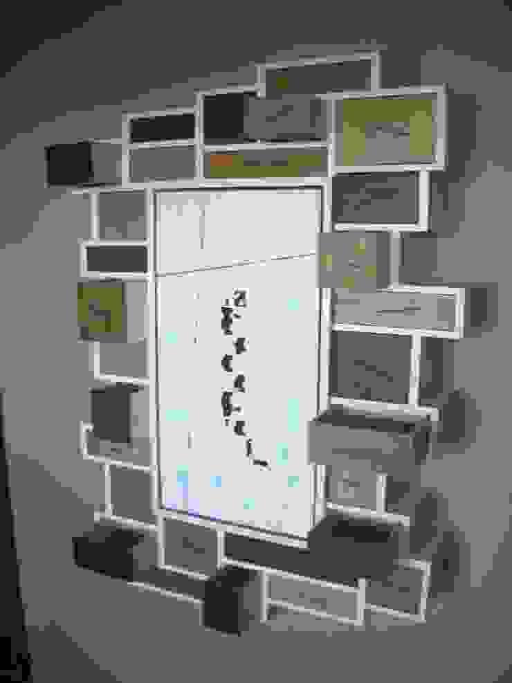 """mobile da parete """"salamandra"""" di Studio Bozzi"""