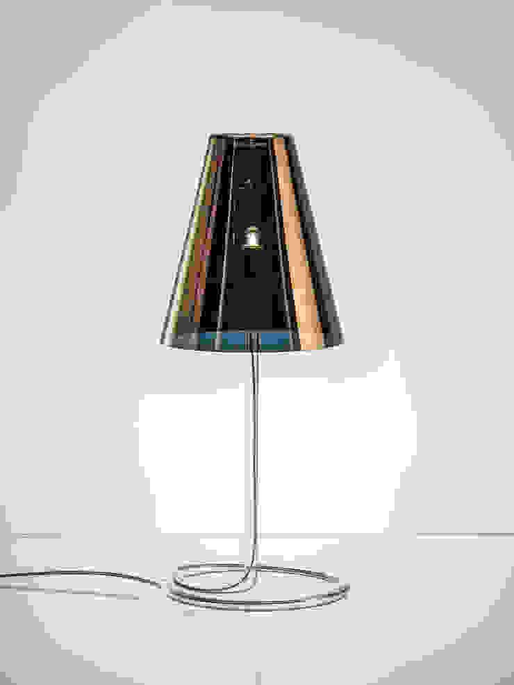 HADOVKA table lamp: minimalist  by jakub, Minimalist