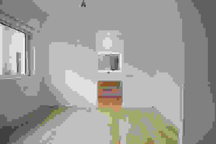 Villa Biancocubo Camera da letto minimalista di Marg Studio Minimalista
