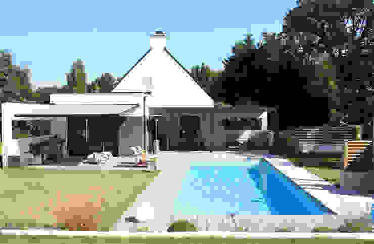 Extension T Maisons modernes par ArchiTK Moderne