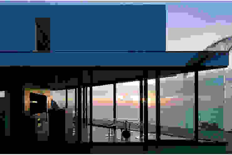 Terrazas de estilo  de AABE, Moderno
