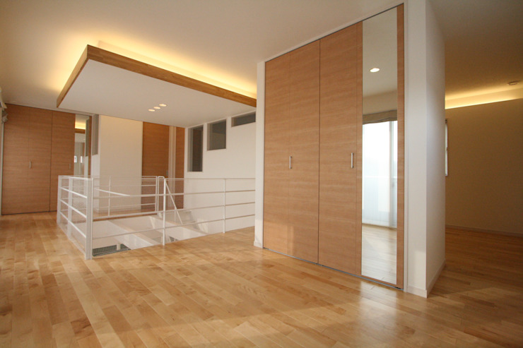 Salas de entretenimiento de estilo moderno de CAF垂井俊郎建築設計事務所 Moderno