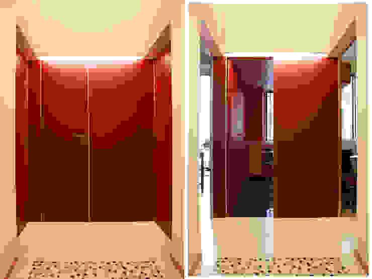 Abitazione con studi professionali Finestre & Porte in stile moderno di auge architetti Moderno