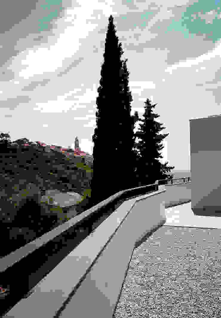 modern  von Studio Rossi + Secco, Modern