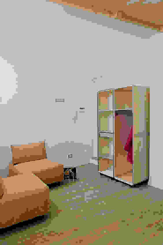 Space is luxury Case in stile mediterraneo di Architetto Renato Arrigo Mediterraneo