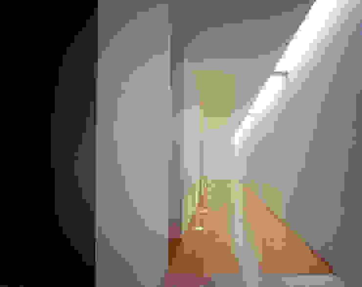 Casa 18 de Praxis Arquitectura Moderno