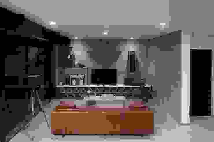 Departamento contemporáneo en Bosques de las Lomas: Salas de estilo  por Taller David Dana Arquitectura, Moderno