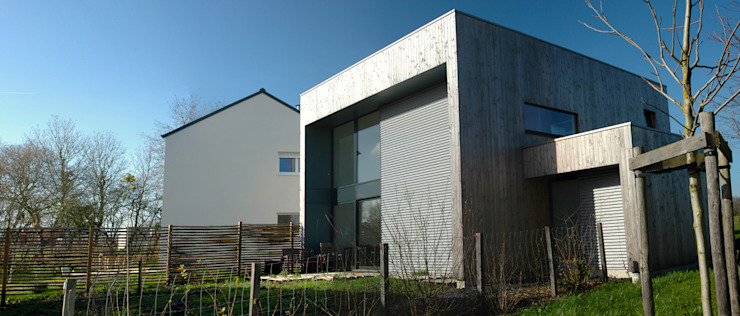 Maison D Maisons minimalistes par Tektolab Minimaliste