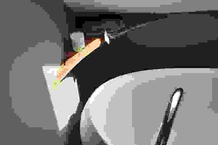 Salle de bain sur mesure et chaleureuse Salle de bain par Wellhome - Bebamboo