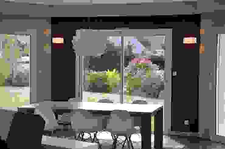 Ré – agencement complet d'un salon / salle à manger Salon par Wellhome - Bebamboo