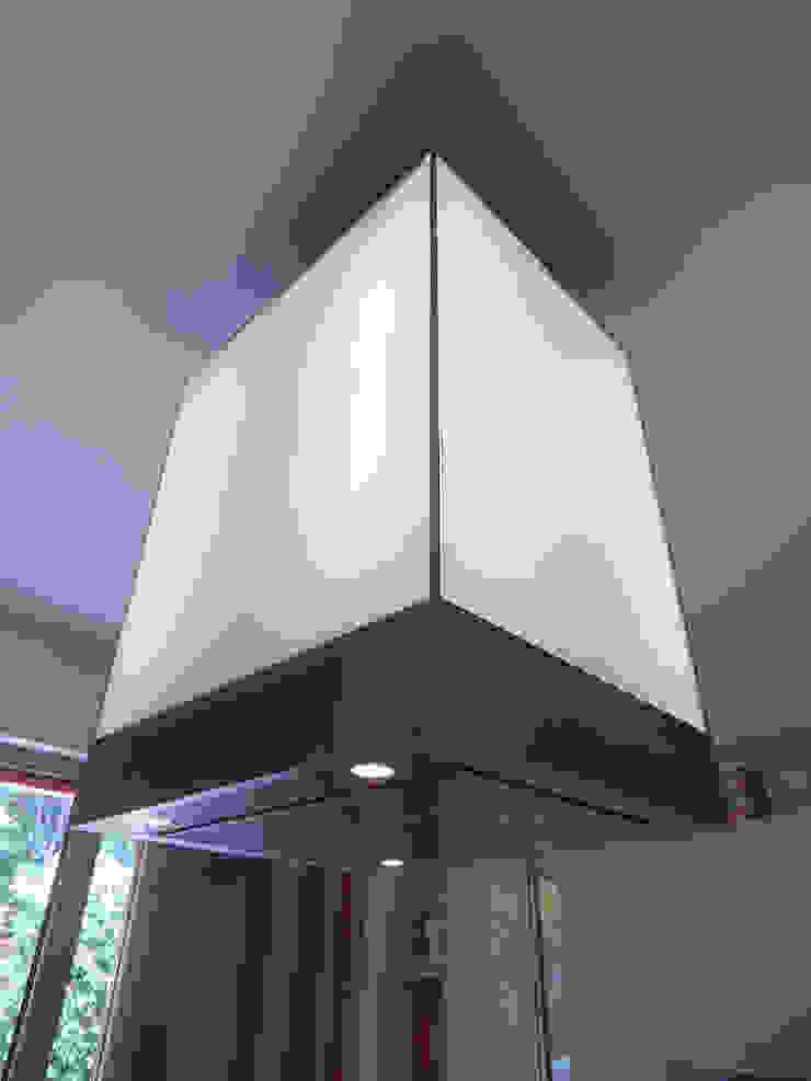 CUCINA Case moderne di M@G Architettura&Design Moderno