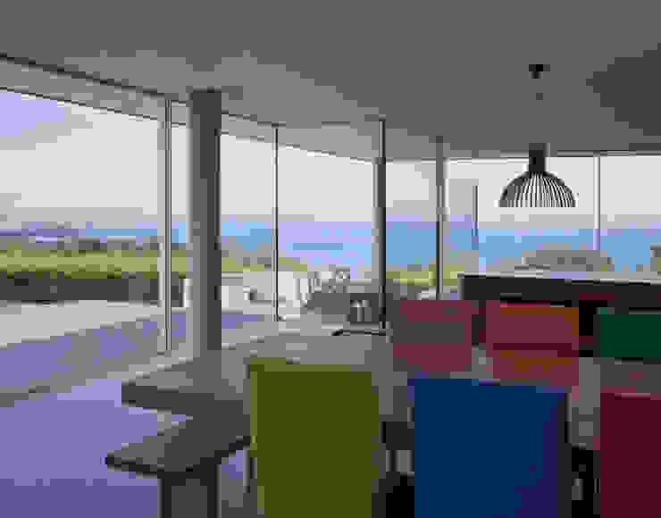 Couin de Vacque JAMIE FALLA ARCHITECTURE Salle à manger moderne