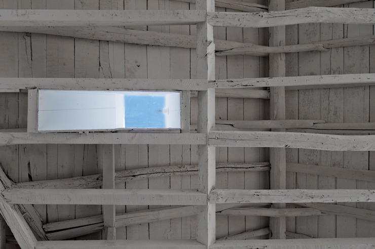 FANQUEIROS Paredes e pisos clássicos por José Adrião Arquitectos Clássico