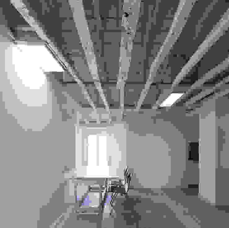 FANQUEIROS Espaços de trabalho clássicos por José Adrião Arquitectos Clássico