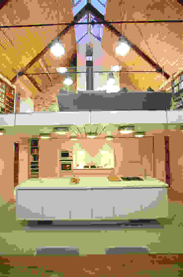 La Concha Rustic style kitchen by JAMIE FALLA ARCHITECTURE Rustic