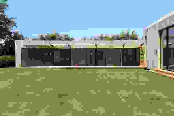Projekty,  Domy zaprojektowane przez JAMIE FALLA ARCHITECTURE, Nowoczesny
