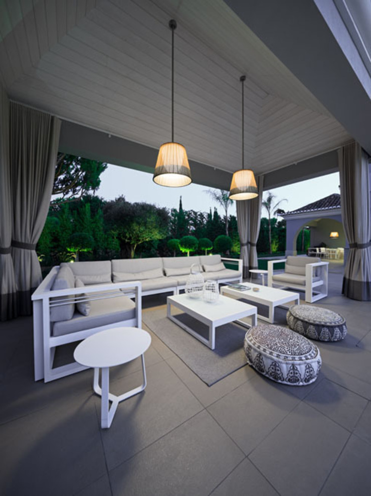 Project in Quinta do Lago por Reflexões Contemporary Design