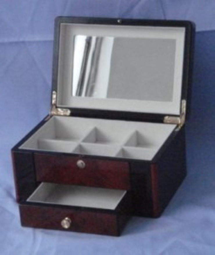 Jewelry Storage Box: classic  by Wooden Gift Company,Classic