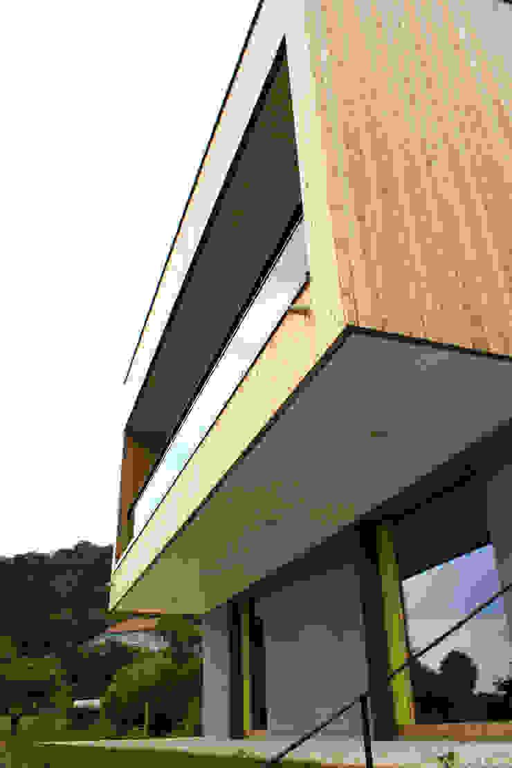 Porte-à-faux Espaces de bureaux modernes par 3B Architecture Moderne