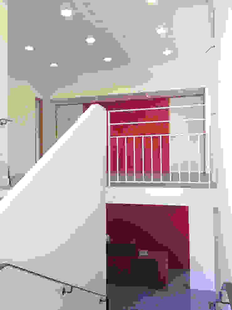 Hall d'entrée Espaces de bureaux modernes par 3B Architecture Moderne
