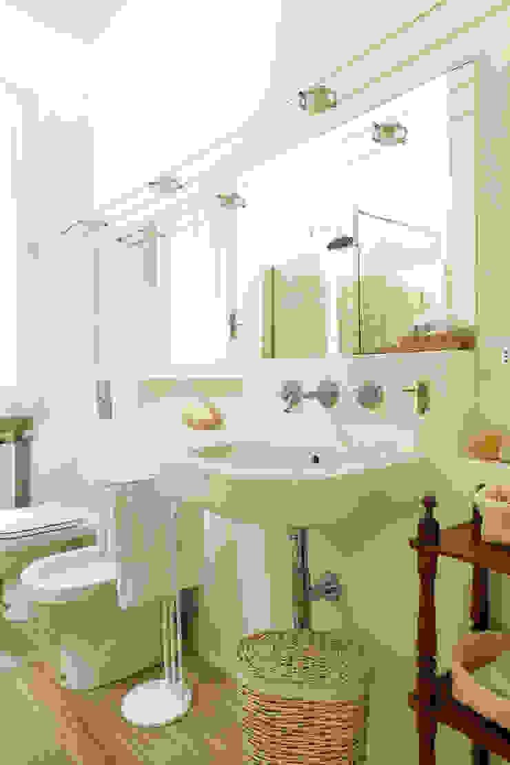 Baños de estilo clásico de Tommaso Bettini Architetto Clásico