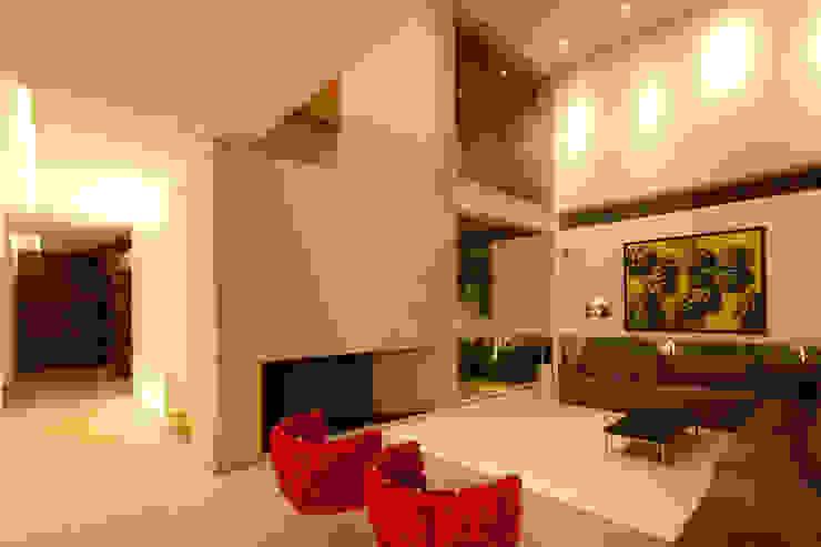 FF HOUSE Salones modernos de Hernandez Silva Arquitectos Moderno
