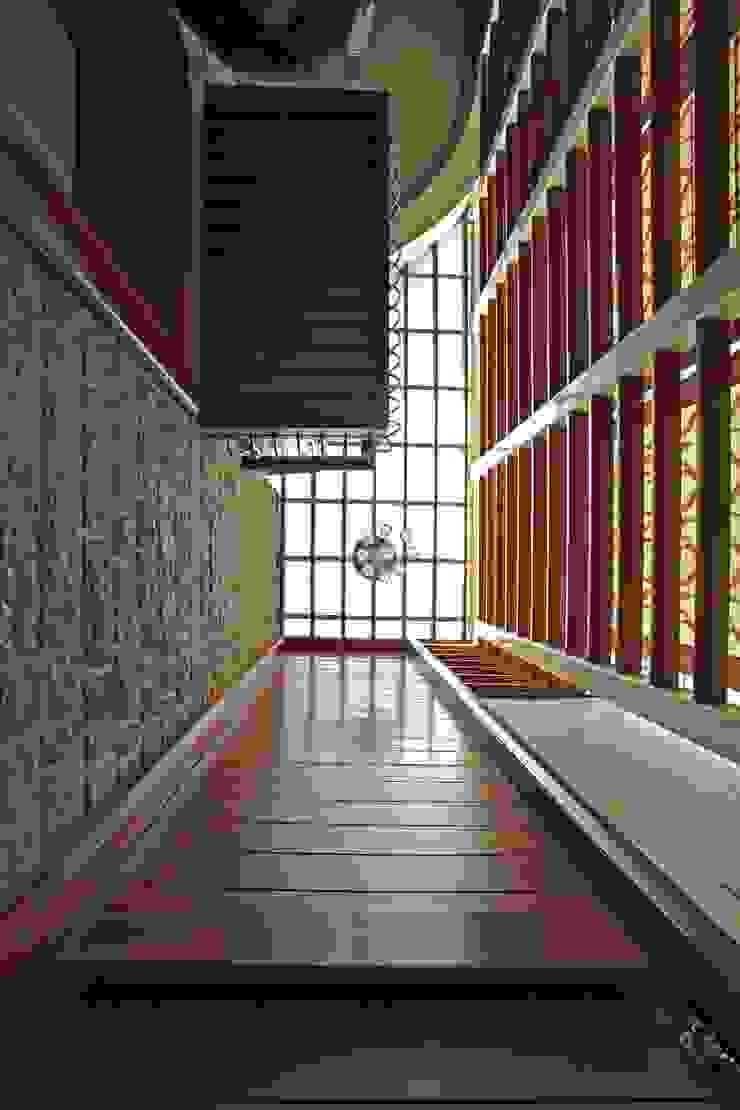 Padmanabhan Residence: modern  by Balan & Nambisan Architects,Modern
