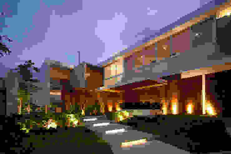 Casas de estilo moderno de Hernandez Silva Arquitectos Moderno