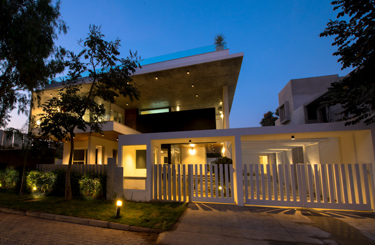 Residence at H2 Balan & Nambisan Architects Modern houses