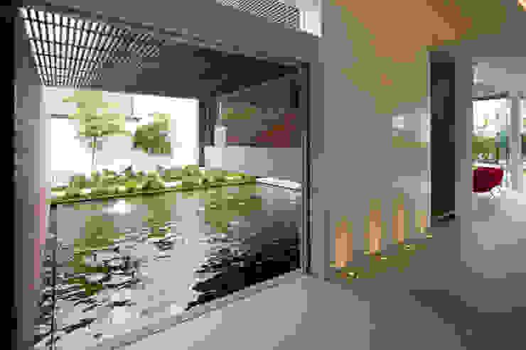 Jardines de estilo moderno de Hernandez Silva Arquitectos Moderno