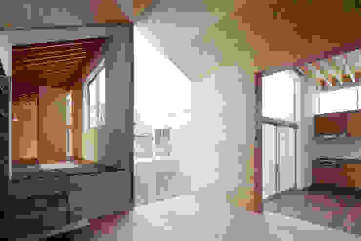 桜台の家 オリジナルデザインの リビング の 鈴木淳史建築設計事務所 オリジナル 木 木目調