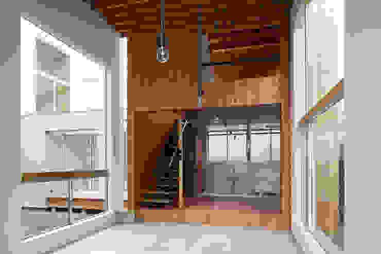 桜台の家 カントリーデザインの 多目的室 の 鈴木淳史建築設計事務所 カントリー 木 木目調