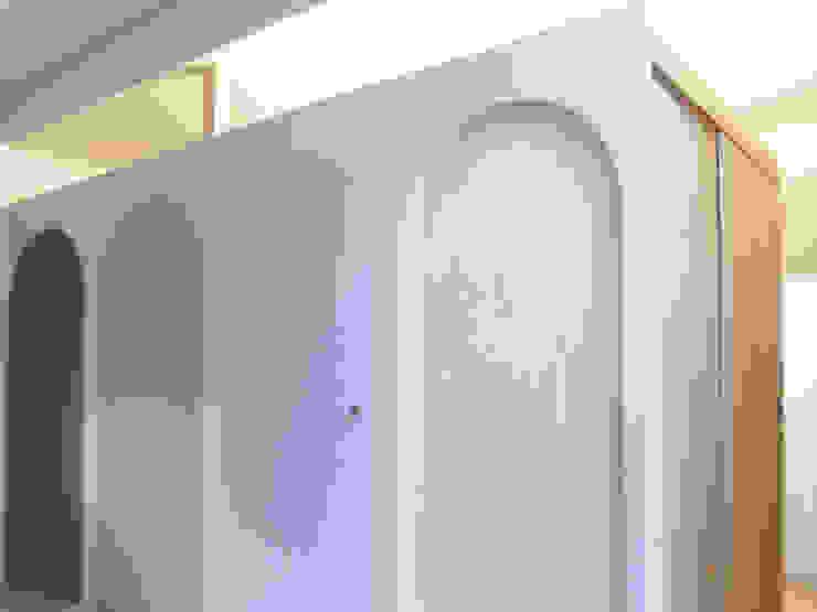 桜台の家 オリジナルデザインの 多目的室 の 鈴木淳史建築設計事務所 オリジナル 合板(ベニヤ板)