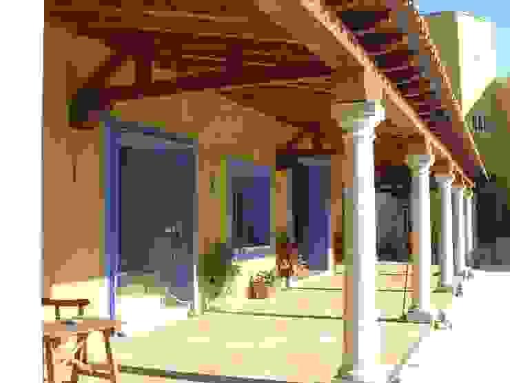 NAVE INDUSTRIAL Y OFICINAS Oficinas y tiendas de Estudio Dva Arquitectos S.l.p.