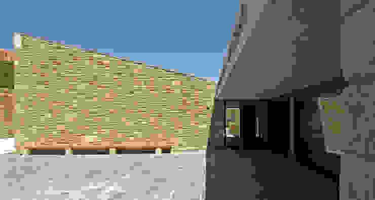 AYUNTAMIENTO DE LEOZ de Garbisu arquitectos Rústico
