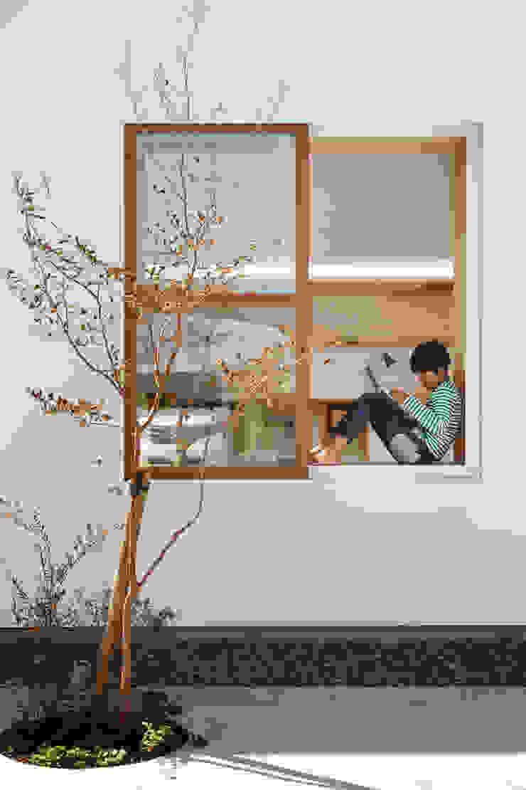 Idokoro Minimalist windows & doors by ma-style architects Minimalist